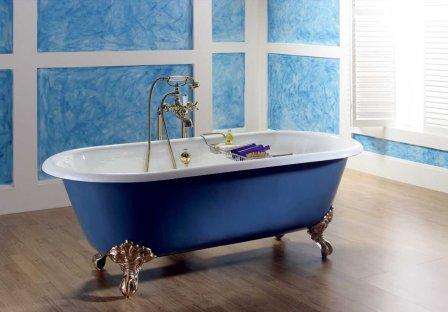 При выборе ванны стоит тщательно осмотреть поверхность. Здесь не должно быть трещин, сколов и любых других повреждений