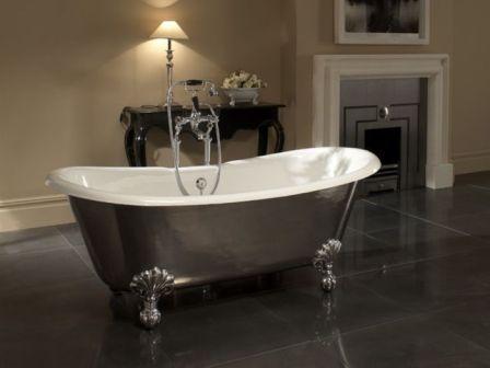 • Теплопроводность металла гарантирует медленное охлаждение воды, что очень важно для тех, кто любит часами нежиться в ванной