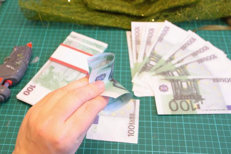 топиарий из денег