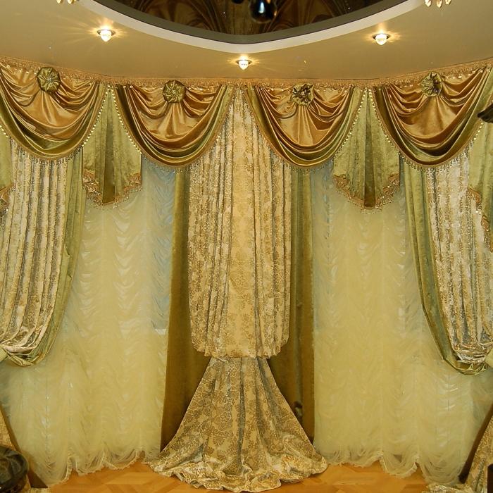 Для того чтобы верх шторы можно было собрать, в кулису нужно будет протянуть либо веревочку, либо специальную ленточку