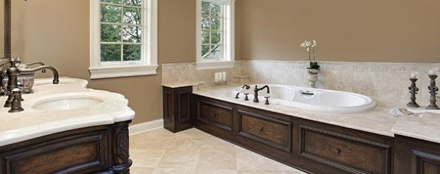 Чтобы сделать ремонт в ванной комнате, следует с особым вниманием подойти к выбору краски