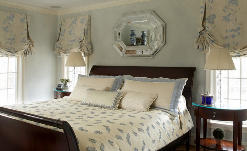 В основном английский стиль подразумевает использование дорогих и изысканных полотен, которые при складывании будут переливаться шикарным тиснением, шелковым переливом