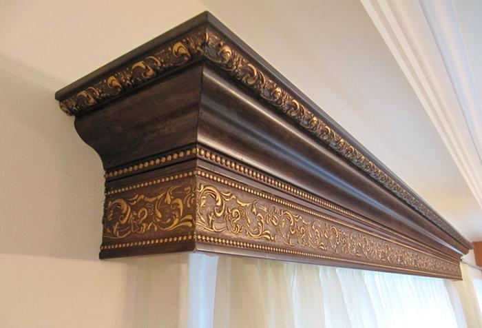 Этот элемент декора нужно выбирать таким образом, чтобы он находился в гармонии со шторами, вписывался в общий интерьер (рис. 1)