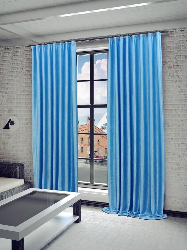 Прежде, чем использовать подобные шторы, требуется внимательно изучить оттенок полотна и подобрать под него оптимальные сочетания других элементов