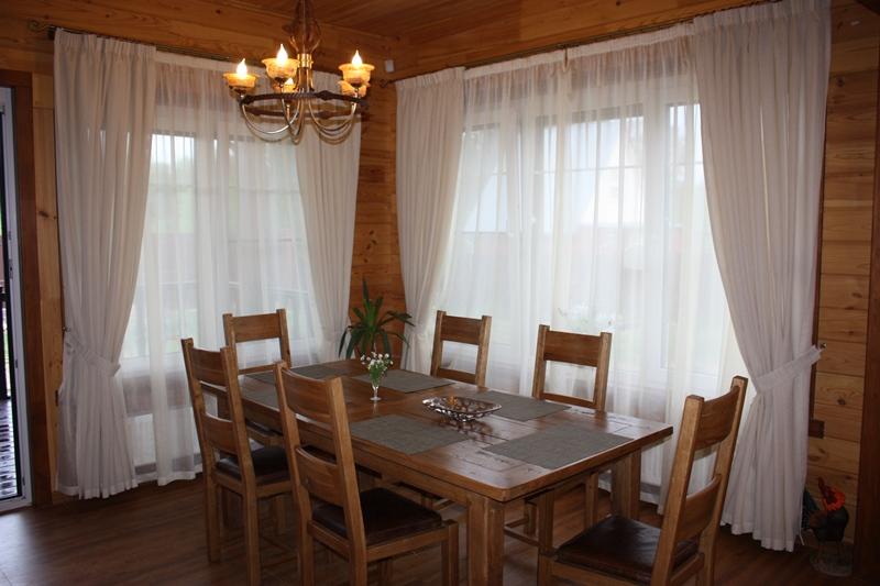 Шторы в деревянном доме фото