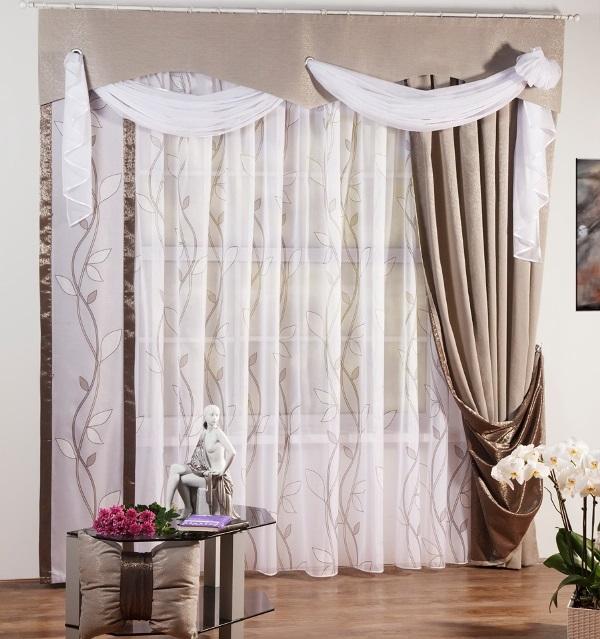 Как правило, ткани подбираются по двум основным принципам. Первое - это подбор двух полотен абсолютно разной плотности и рисунка