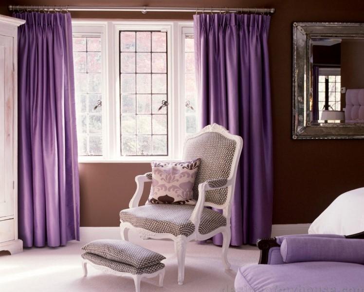 Если вы желаете чувствовать свое семейное гнездышко уникальным, используйте для его оформления фиолетовые варианты