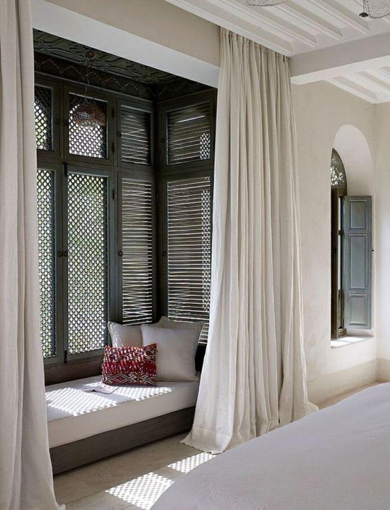 Подбирая дизайн штор для собственного семейного гнездышка, обращайте внимание на все главные нюансы гармоничного оформления