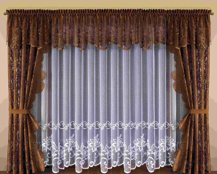 Коричневатые занавески в различных помещениях могут смотреться по-разному из-за огромного разнообразия тканей и цветовых оттенков
