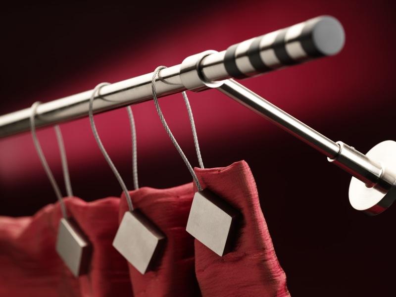 Шторные крючки - весьма интересный вариант крепления, позволяющий проявить вкус и фантазию