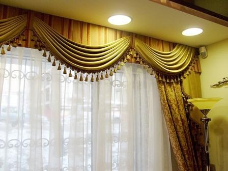 Известно, что окно является одним из основных составляющих дизайна комнаты