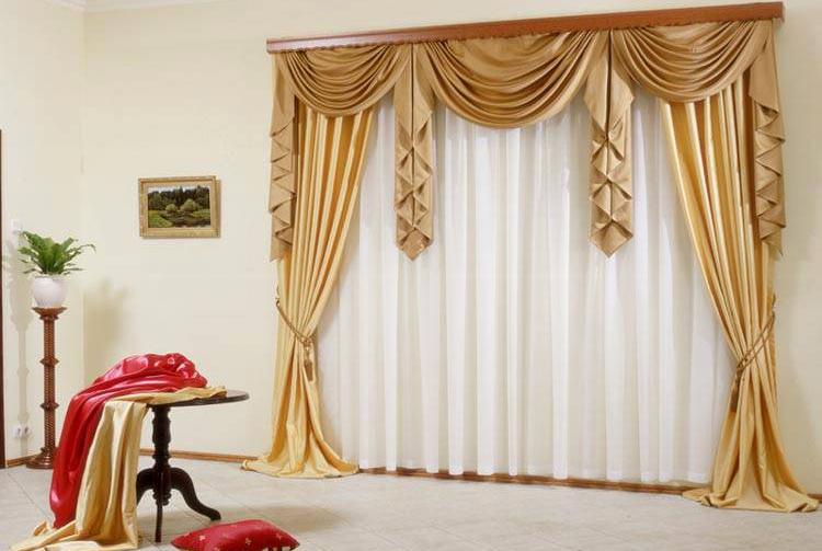 Галстук - это тоже вертикальная составляющая ламбрекенов, используют его преимущественно при широких окнах или соединенных проемах с помощью колонн или небольших стенок