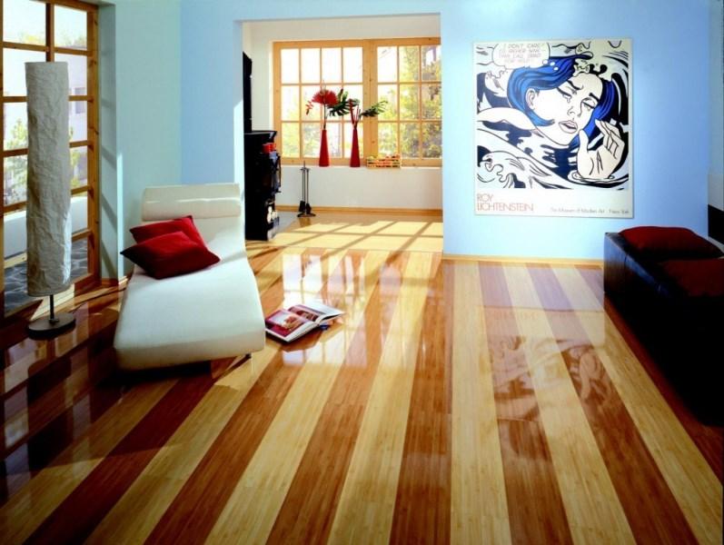 Сочетание цвета ламината и дверей, отделки стен и других элементов декора позволит создать атмосферу, пребывание в которой будет доставлять удовольствие