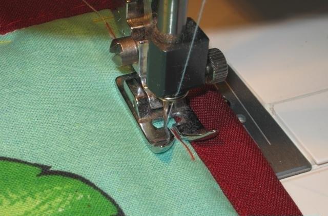 Перед тем как начать пошив штор, нужно выбрать походящую расцветку и текстуру ткани