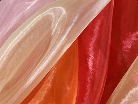 Органза для штор является одним из наилучших решений, позволяющих создавать незабываемые образы