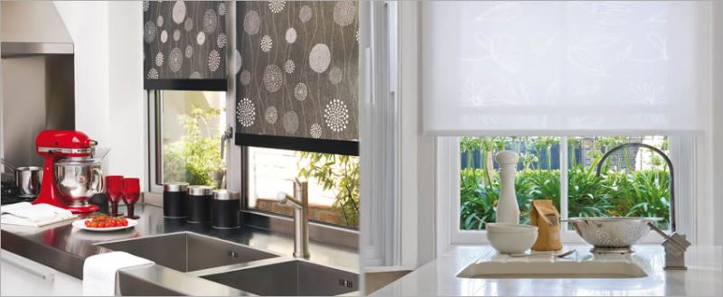 Классические рулонные шторы крепятся на стену или в оконный проем. Такой вид занавесей называют открытыми