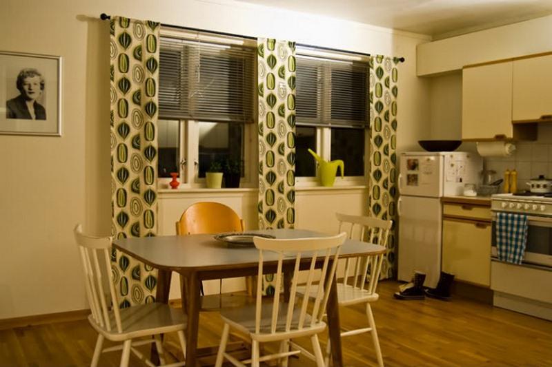 Верно выбранная цветовая палитра сможет помочь зрительно увеличить пространство кухни