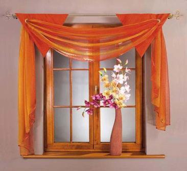 Декорируя окно шторами в данном стиле, дизайнеры рекомендуют не использовать слишком тяжелый тюль