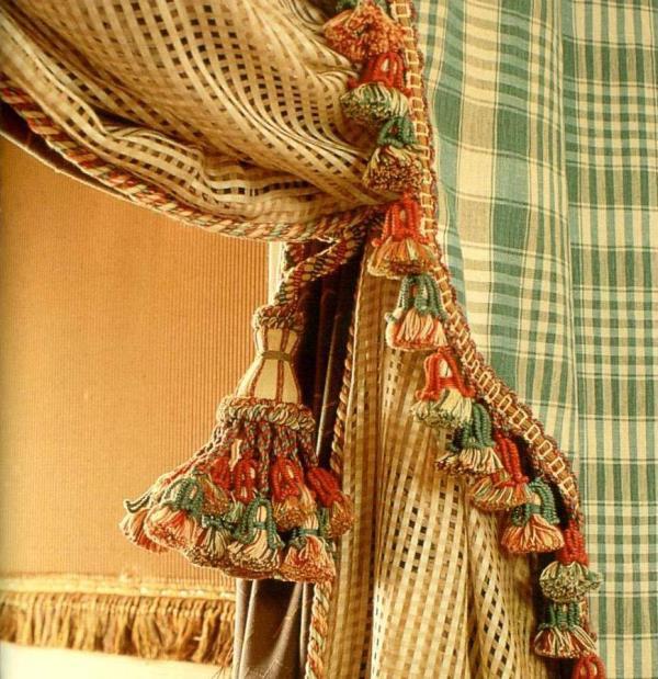 Зачастую декорированные шторы создают основу интерьерного дизайна