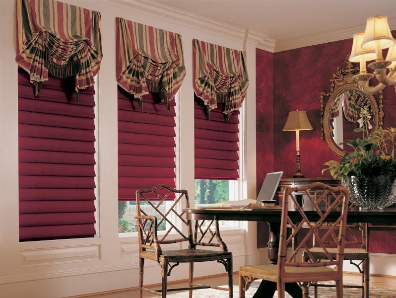 Декоративные шторы - один из самых простых, но вместе с тем и самых любимых многими хозяйками способов украшения интерьера