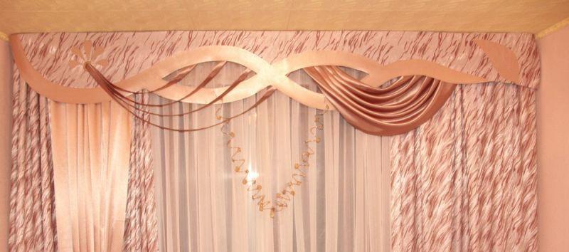 Среди видов шитья ламбрекенов своими руками выделяется стиль бандо