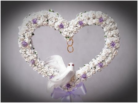 Прекрасным украшением торжества является свадебный топиарий