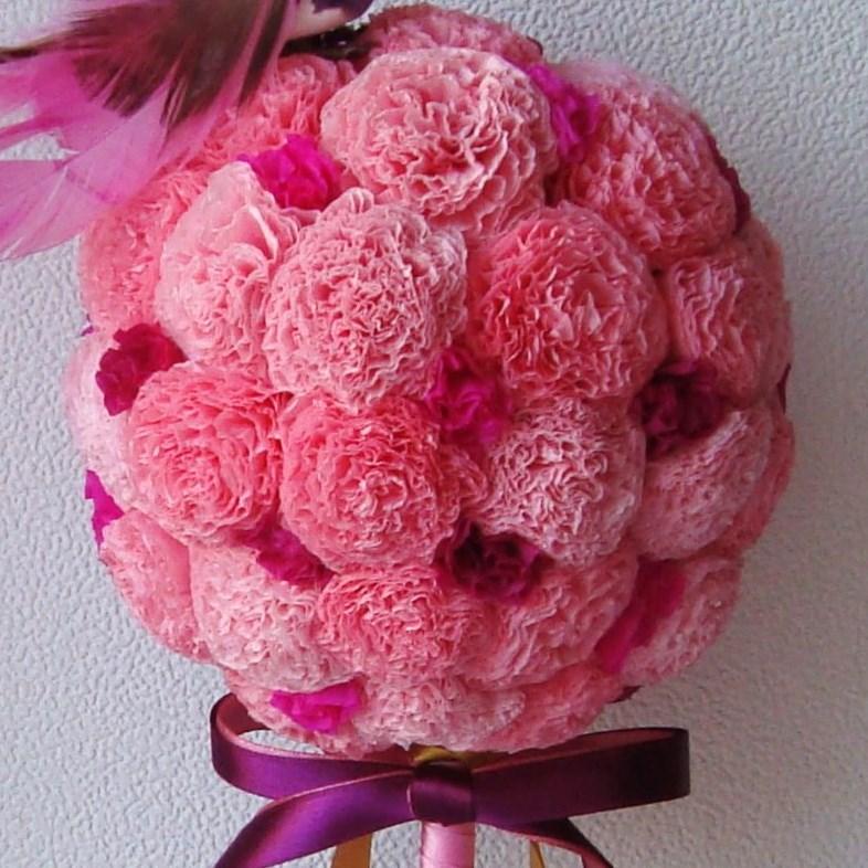 Цветы из салфеток не нуждаются в уходе и могут стоять длительное время