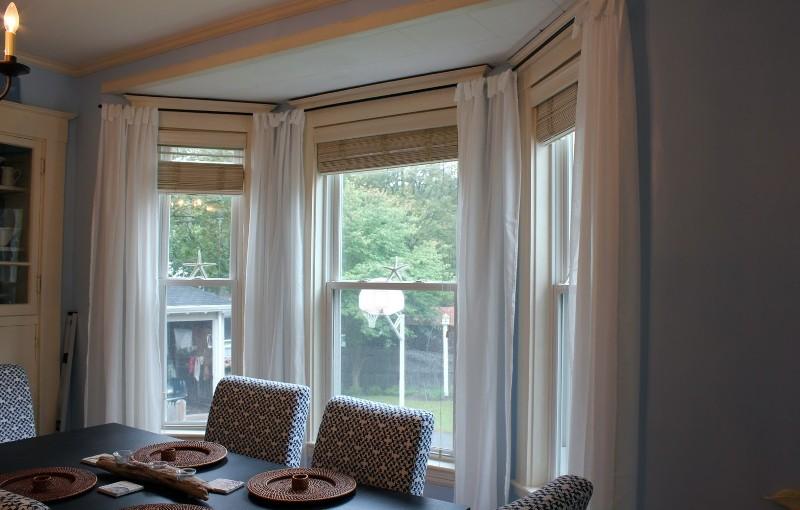 Римские шторы в гостиную являются оптимальным вариантом