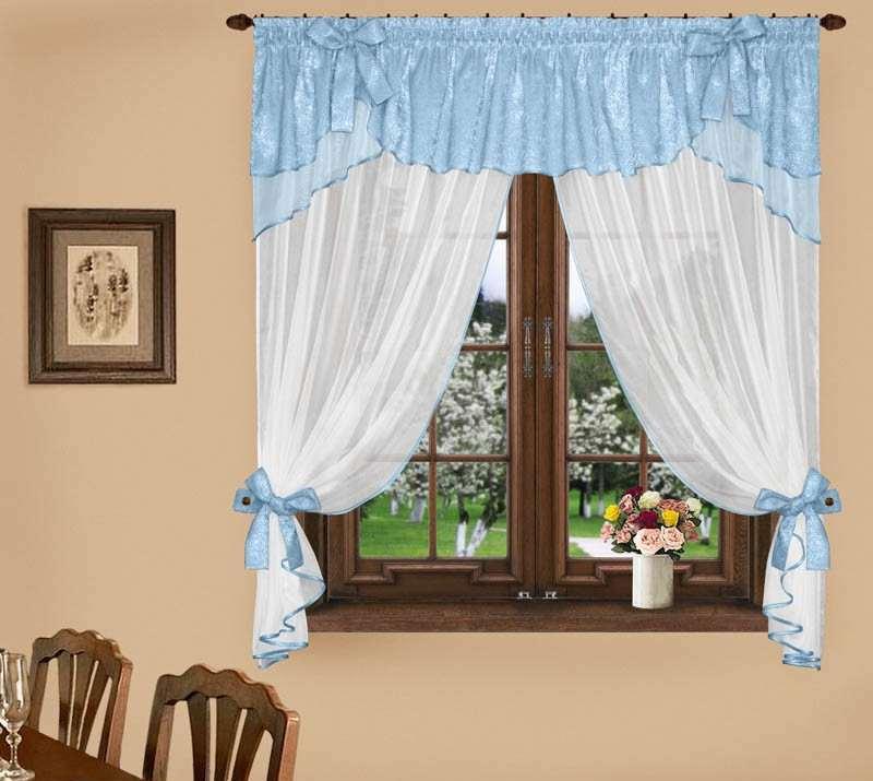 Наиболее подходящим способом является кулиска для простой шторы для кухни