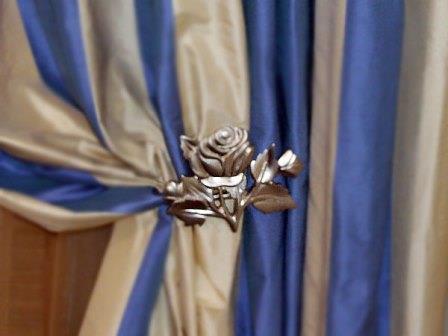 Зажимы для штор - это одна из деталей интерьера