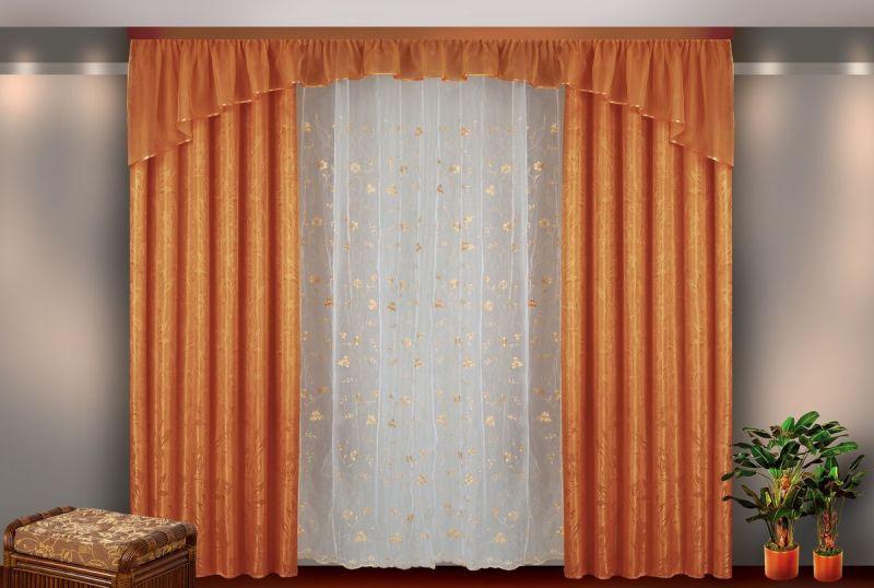 Для зала лучше выбирать портьеры более торжественного вида