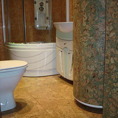 Клеевая пробка может быть выполнена квадратными или прямоугольными плитками