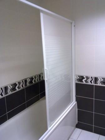 Рынок пластиковых шторок на столько огромен, что подобрать их можно под любую конфигурацию ванной