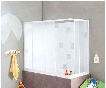 Пластиковые шторки можно устанавливать как по периметру ванной, так и только на фронтальную ее часть