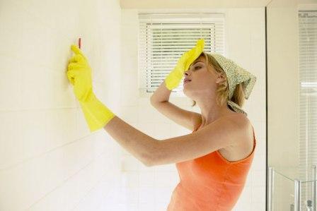 Если вы своевременно не приняли профилактические меры, и в вашей ванной прочно обосновалась плесень, необходимо ее удалить