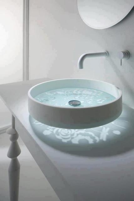 Выбирать умывальник следует, исходя из Ваших потребностей, особенностей планировки ванной комнаты, а также дизайна интерьера