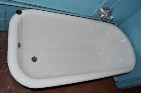 Ванную комнату по окончании работ лучше закрыть на несколько дней, пока покрытие не высохнет полностью