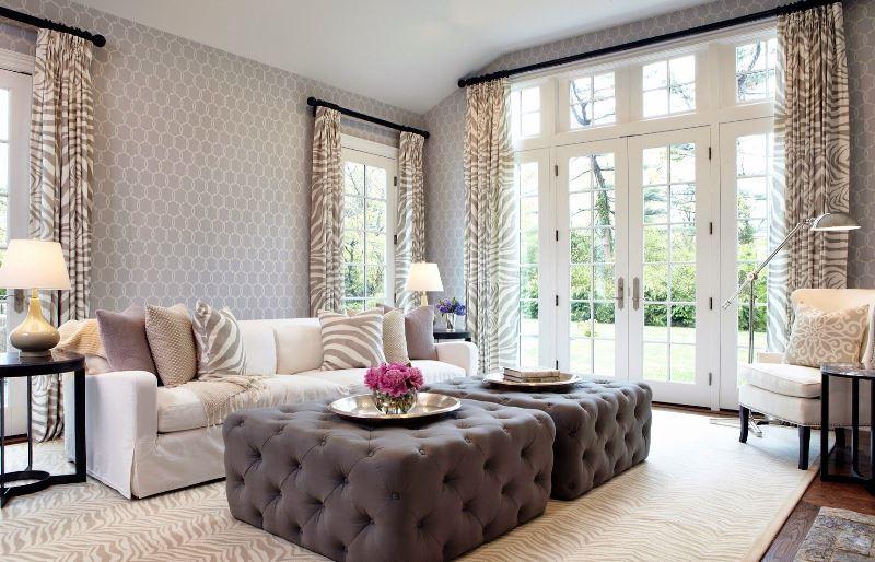 Выбирая шторы в комнату для повзрослевшего мальчика, стоит отдать предпочтение голубым, синим и коричневым тонам