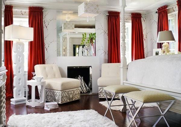 Если спальню оформить белым колером, цвет штор может представлять собой яркое пятно