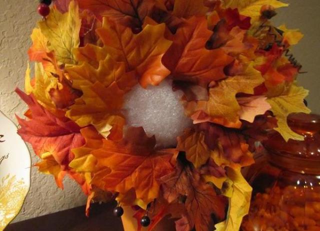 Идей для создания осеннего украшения множество