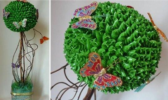 Готовое дерево можно декорировать с помощью любых дополнительных элементов