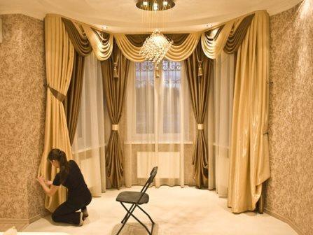 На сегодняшний день изготовителями создается множество вариантов, благодаря которым удастся красиво оформить окна