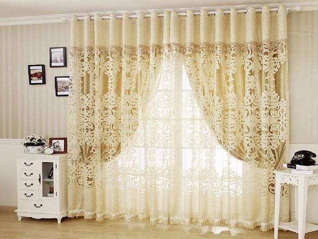 В спальнях комбинированный вариант должен быть выполнен в светлых и нежных оттенках