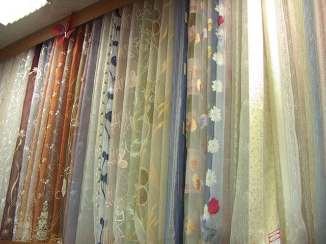По-прежнему востребован тюль, на современном этапе развития текстильной промышленности его разнообразие огромно (фото 3)