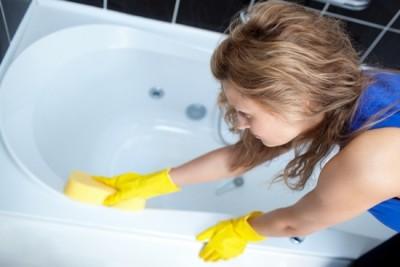 Главная защита изделия из акрила от преждевременного старения – чистота