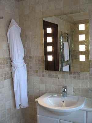 Большинство владельцев сталкивается с проблемой недостаточной вентиляции в ванной