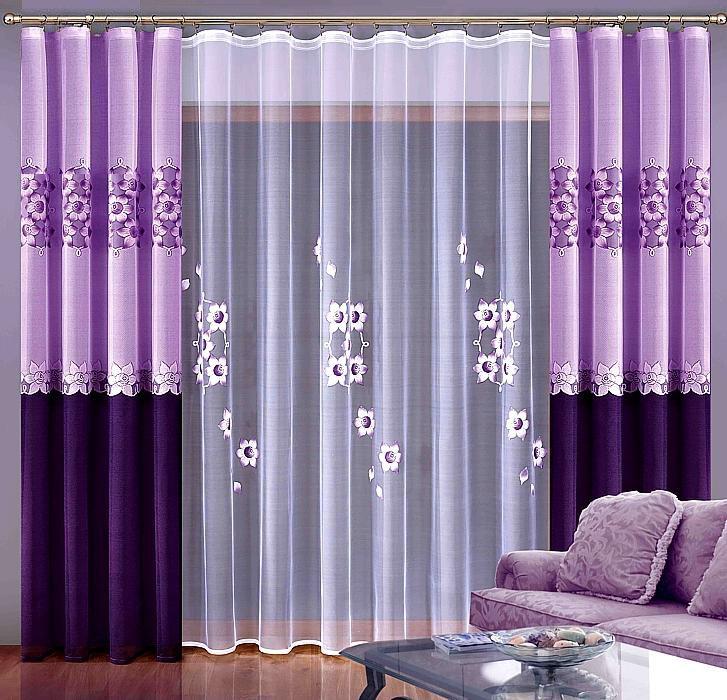 Для того чтобы новые шторы в зал привнесли в интерьер оригинальные ноты, а не уничтожили уют гостиной, следует отталкиваться от стиля оформления помещения