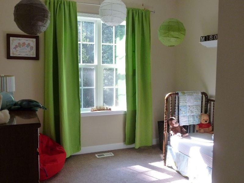 Выбирая подобные варианты оформления для детской комнаты, делайте так, чтобы этого цвета было чрезмерно много