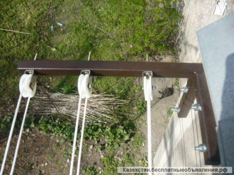 Сушилка для белья на роликах, сушка за балконом: 1347455. ку.