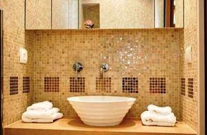 Отделка ванной красивой плиткой мозаикой